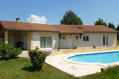 Villa 135 M² sur 2500M² terrain - Rouffignac-Saint-Cernin-de-Reilhac
