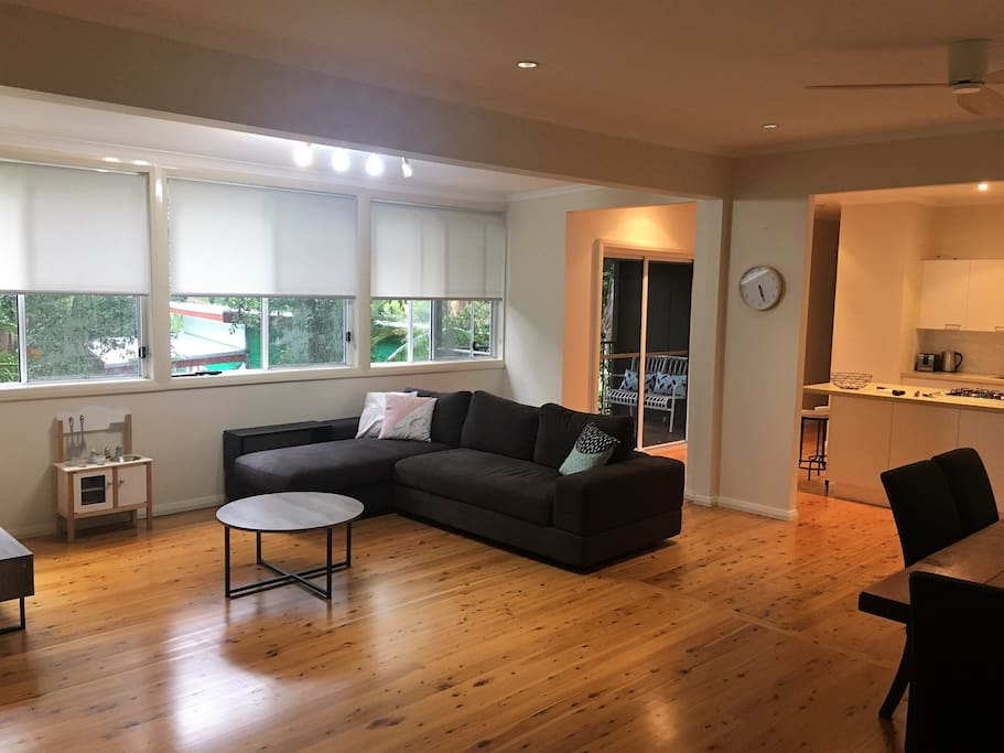 Comfy lounge room with Netflix, DVDs, board games!