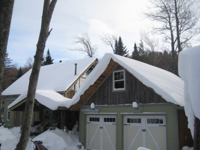 Reinvented New England Barn skihome - Jay - Casa