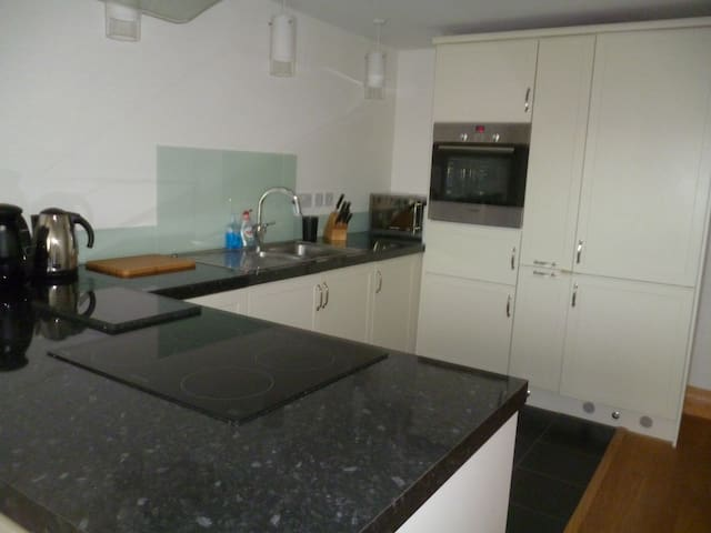 lovely Victorian house with modern facilities - Cowes - Ev