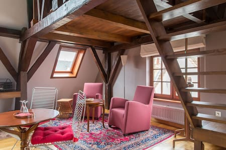 17th century attic rooms