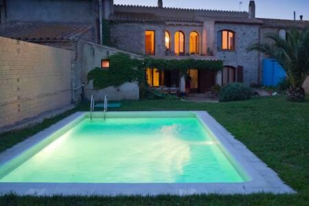Confortable y cálida casa rústica en l'Empordà