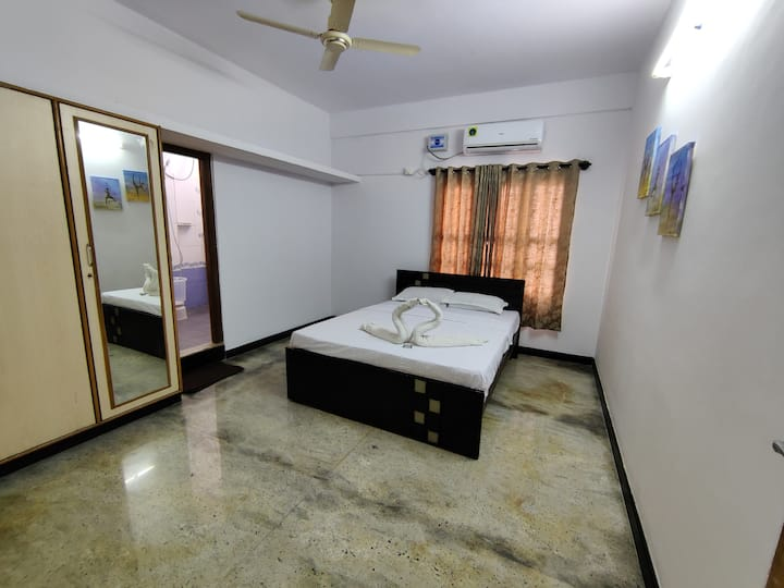 Private room in Yoga House With Ac (optional)
