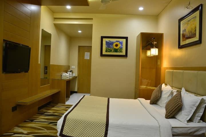 Hotel Surya Executive, Solapur Executive Suite Ac