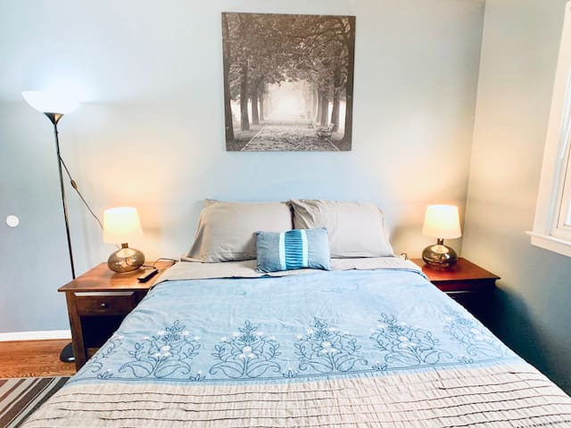 *Private Room 4H* Near NYC/EWR airport/Outlet Mall
