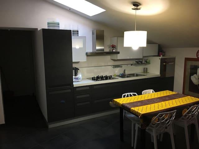 Appartamento in Palazzo restaurato, pieno centro - Nicosia - Pis