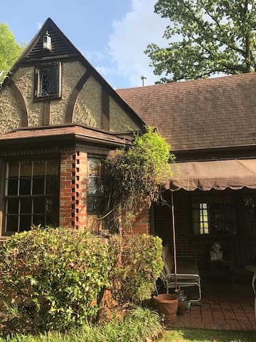 Historical one or two bedroom and den !