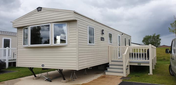 Luxury 6 Berth Static, Brand New with Hot Tub