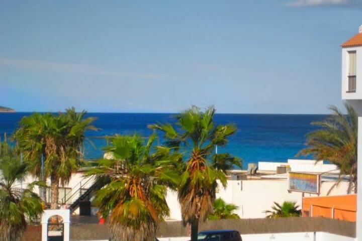 Cozy sea view flat in Playa d'en Bossa MA1