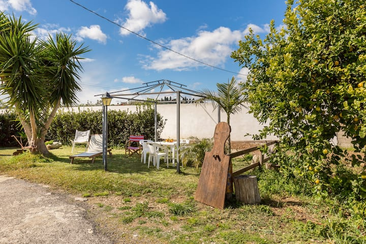 House with one bedroom in Avola, with enclosed garden - 2 km from the beach