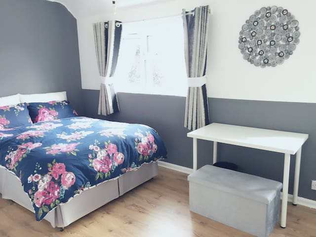 Sweet shepshed-convenient and stylish double room - Shepshed - Ev