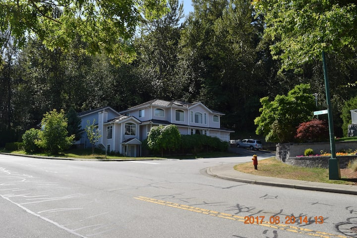 1 bdrm private gnd level suite in Westwood Plateau