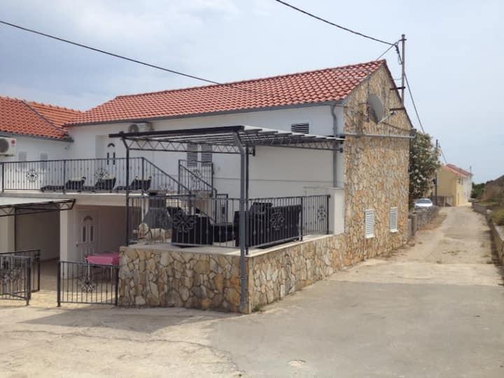 House Sakarun