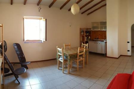 Tuscany entire apartment rent - 恩波利 - 公寓