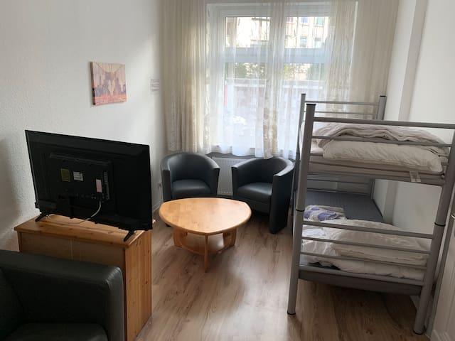 2 P Monteurwohnung im Gästehaus Gonsior Solingen