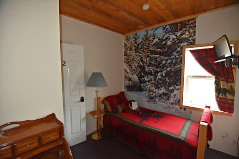 Alaskan Stoves Hostel: Room 2 for 1 Guest