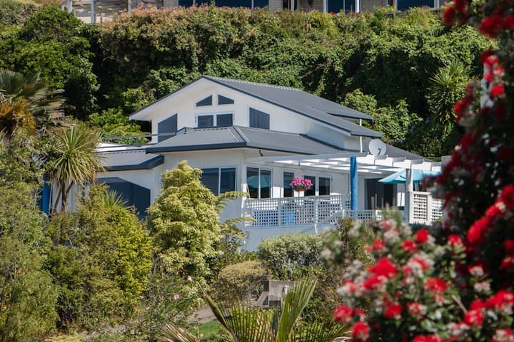 Turney's Beachside B&B - Blue Room