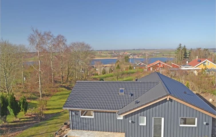 Holiday cottage with 4 bedrooms on 129 m² in Løgstrup