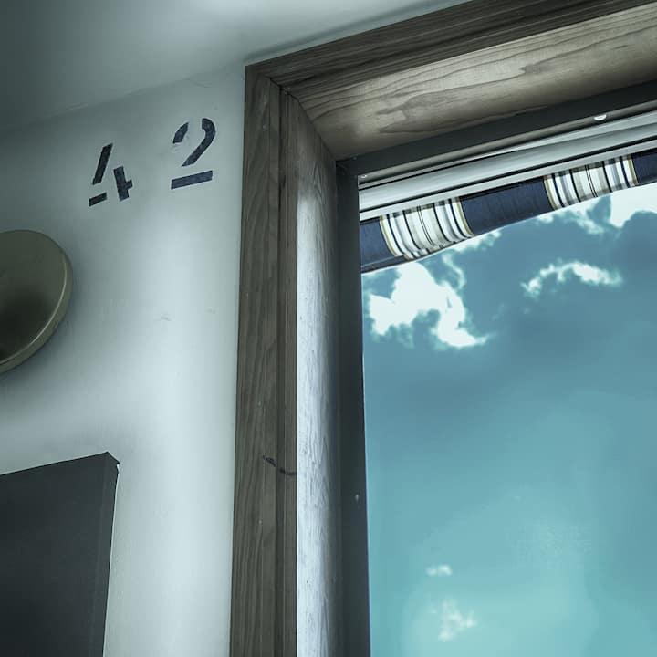 casa la vida loca Studio 42