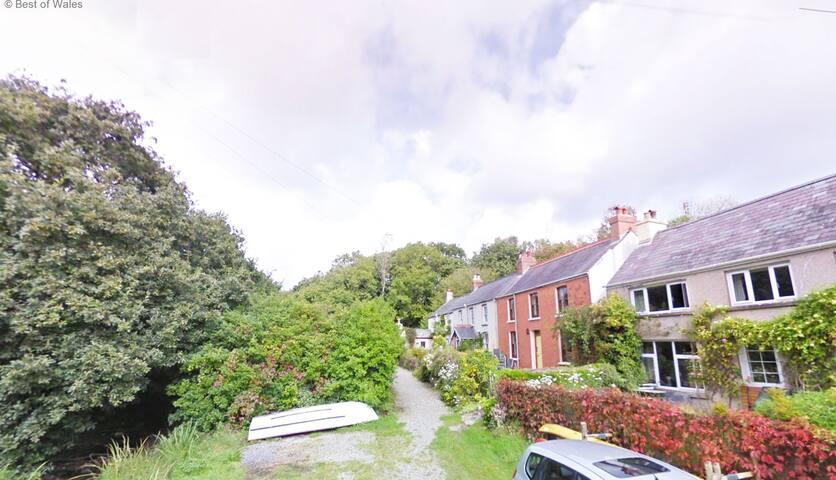 Y Cleddau - Llangwm - บ้าน