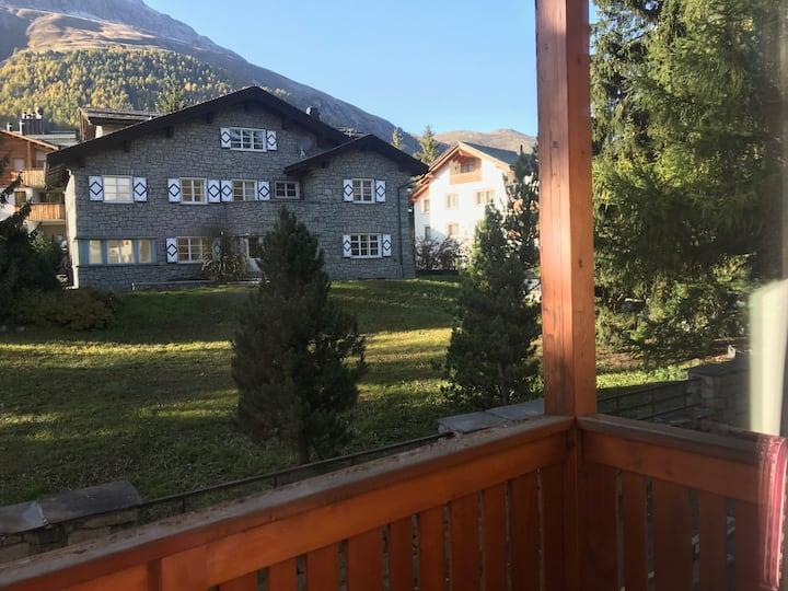 Chesa Sandrine - Charming flat Celerina/St Moritz