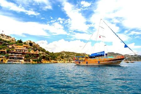 Gulet kekova2 in Kekova marina - Demre - Vaixell
