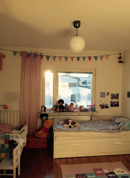 Kids Room ( Bed is extractable to be a doublebed.