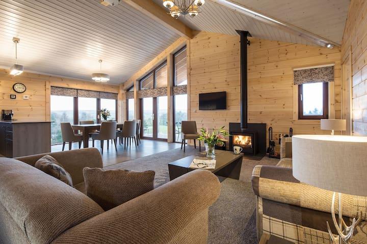 Rough Fell Luxury Hot Tub Log Cabin,Log Fire,Views