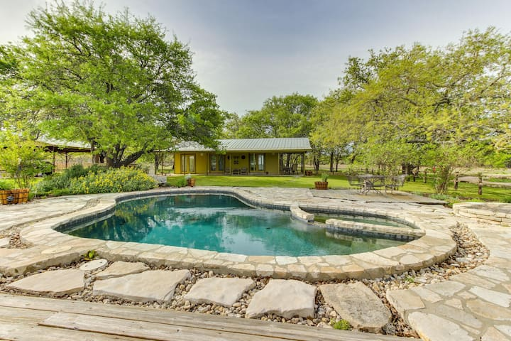Dog-friendly cottage w/ landscaped yard, private pool, hot tub, & outdoor bar!