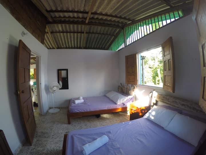 Bright room+Wi-Fi, 5min from El Almejal Beach!