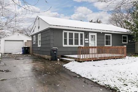 A Safe NE 4 Bed Slab home close to Rockwell & mall