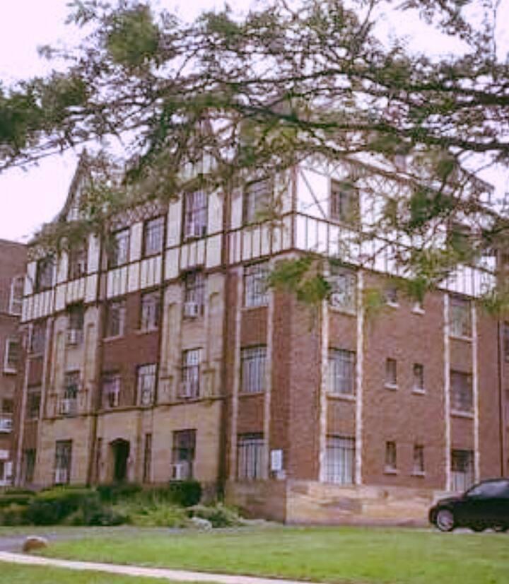 Charming Historic Large Apartment