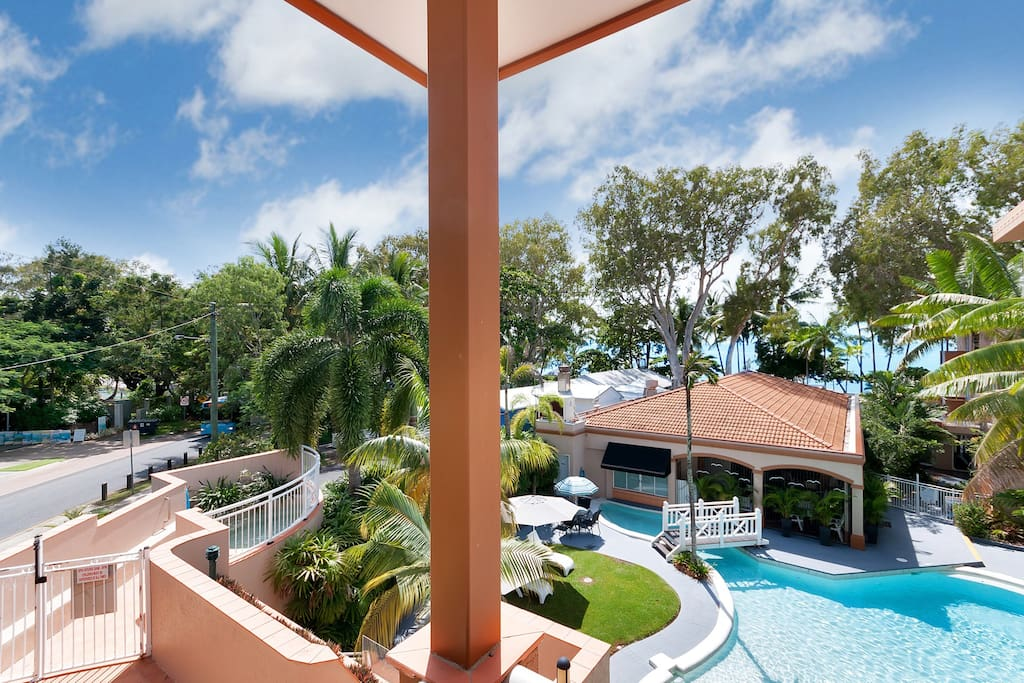 Ocean views, palm trees, swimming pool and separate resort spa.... what more could you want?!