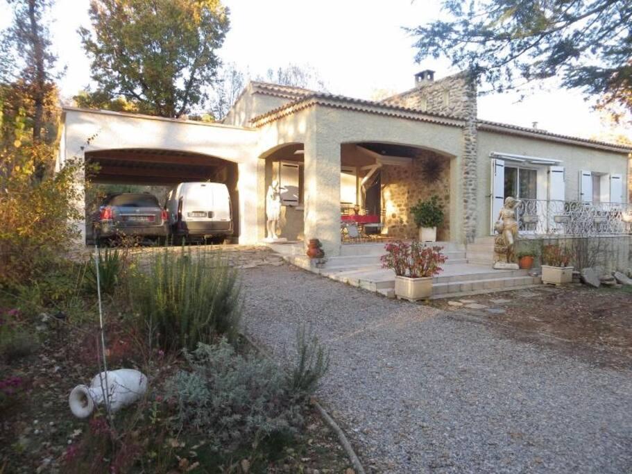 Les lavandines gorges du verdon piscine wifi for Location maison avec piscine gorges du verdon