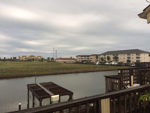 Island Refuge- Canal View/Boat Slip/Island Fishing
