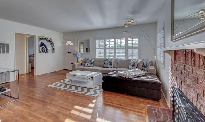 Charming 3 Bedroom Home in Redondo Beach.