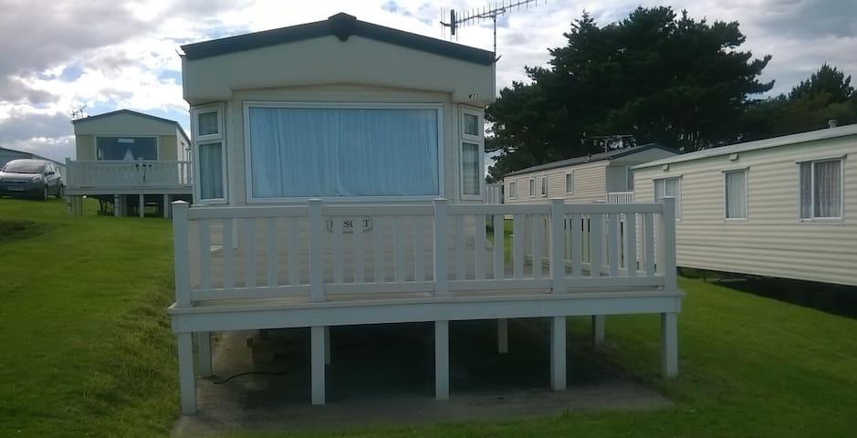 Holiday Caravan on Beautiful Isle of Wight Coast.
