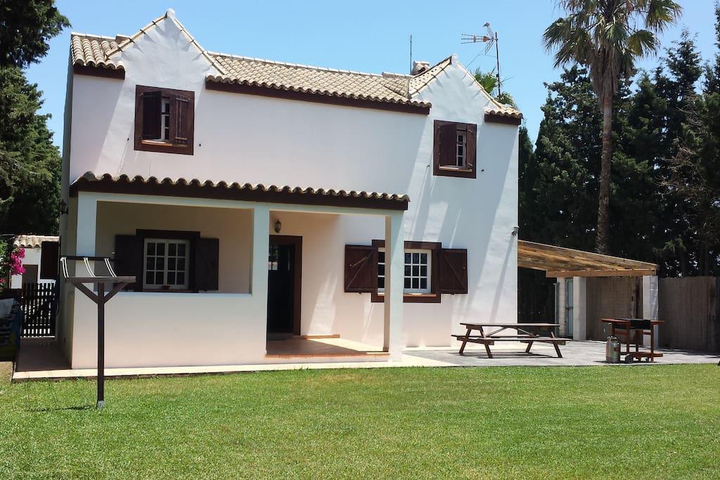 Casa entera con jard n en el palmar case in affitto a el for Piani di casa 700 piedi quadrati