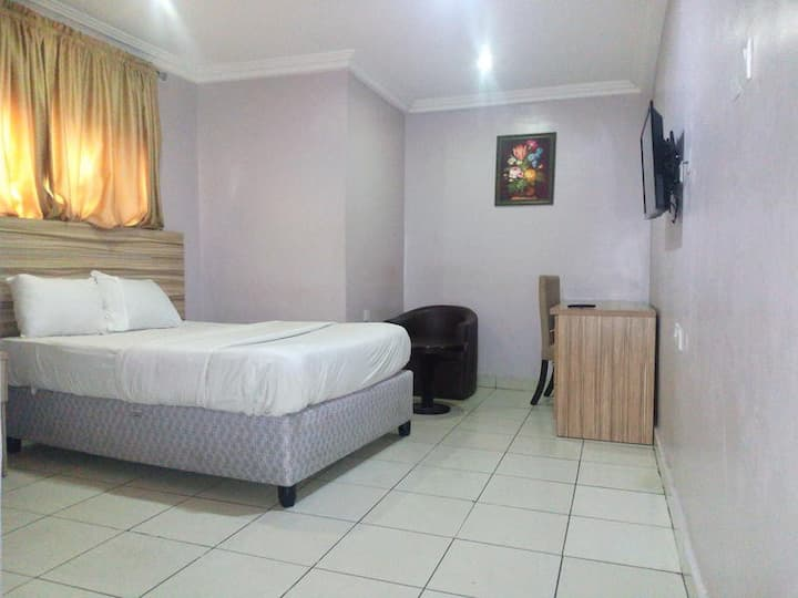 Dublina Suites -Standard Room