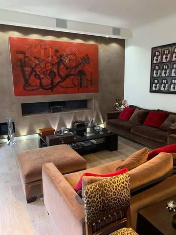 luxury 3 room with billiards -Champs Elysées-
