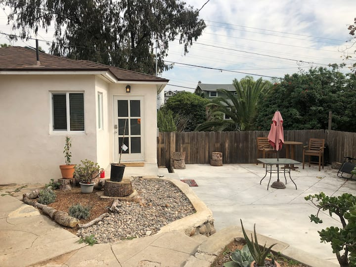 Cozy 1br Cottage in Trendy South Park