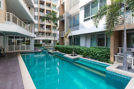 Chic Suite@Siam A16 Wifi Pool 4Pax - Ratchathewi - Wohnung