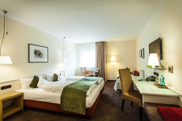 Hotel Deutscher Hof Dreibettzimmer