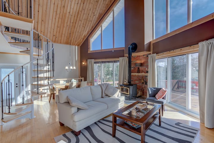 LARGE AND LUMINOUS HOLIDAY HOUSE IN LAC-BEAUPORT FOR 6 PEOPLE