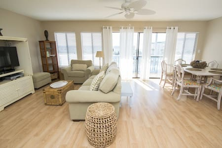 All Decked Out - 30A condo with a beach view - 산타 로사 비치(Santa Rosa Beach)