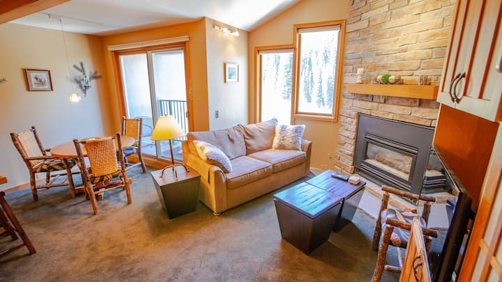 Iron Horse C5083 Location and Amenities! Ski out the top floor on skiway to Gondola.