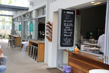 Your Alfresco Cafe and Coffee shop 100 metres from your front door.