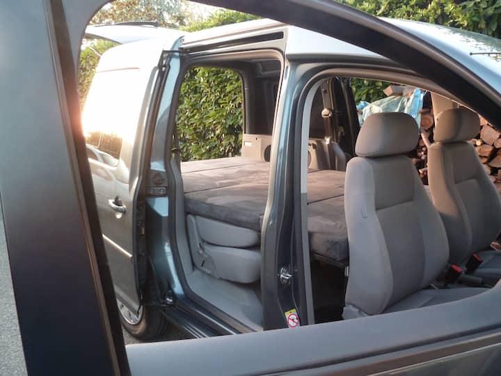 LOCATION VW Caddy aménagé van