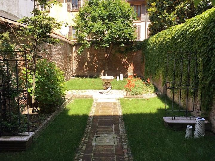 Suite Giardino Segreto, Centro Mantova