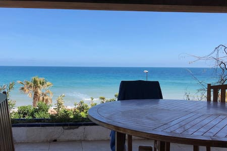 Villa vue mer panoramique à 30 mètres de la plage